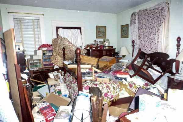 Metro Atlanta home improvement ideas include de-cluttering the house in preparation for selling it.