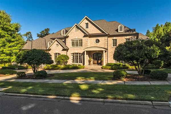 Metro Atlanta real estate news indicates that luxury homes may see a boost in prices